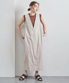 前後の深いVネックがシャープな印象のジャンパースカート。<br>背面には、リボン風に結ばれたデティールを施し女性らしさがプラスされた一着。<br>インナーにカットソーやTシャツを合わせてレイヤードスタイルをお楽しみいただけます。<br><br><SACRA(サクラ)><br>2008 年 SPRING COLLECTIONからブランドスタート。<br>ブランド名の由来は、ディレクターの娘の名前から。また日本の気分や情緒を世界に向けてアピールしていきたという思いをこめています。<br><br><font color=purple>店舗へお問い合わせの際は、全国のUNITED ARROWS各店舗まで下記の品名/品番をお申し付けください。<br>品名:SACRA BACK KNOT J/S  品番:15265993575</font>