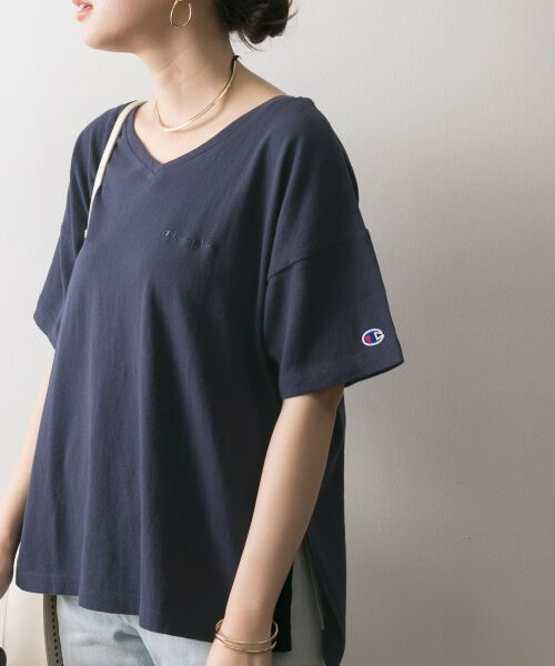 URBAN RESEARCH / アーバンリサーチ Tシャツ | Champion×URBAN RESEARCH ソフトコットン刺繍ロゴVネックTシャツ(ネイビー)
