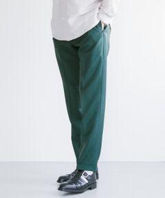 ■MADE IN JAPAN/日本製<br><br> 冬衣料の代表的素材でありながら、昨今、春夏衣料としての機能性が注目されているウール&モヘヤ。<br>超細番手糸で織り上げたトロピカルサージクロスは、通気性が良く、表面がクリアで発色も素晴らしい。溜息が出るほど美しいスリムテーパードのシルエットは、コーディネート全体をブラッシュアップさせてくれます。 <br><br> 【ZUBON / ズボン】<br> ■2020 Spring/Summerr<br><br> 高感度で高品質、モードでユーモラスなデザインのボトムにフォーカスを当てた2015年スタートのブランド。国内コレクションブランドも手掛けるデザインチームによるプロダクトは、洗練された本物志向のハイクオリティー。<br><br>※この商品は、摩擦や汗、雨などの使用条件等により、色落ちや他の物への色移りの可能性がございますのでご注意ください。<br>※直射日光や蛍光灯に長時間あたると変色したり、色褪せすることがありますのでご注意ください。<br>※その他お取り扱いに関しましては、商品に付属のアテンションタグをご覧ください。