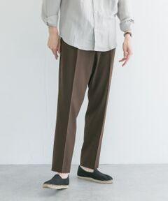 ■URBAN RESEARCH 2021SS<br><br>同素材のJKTとセットアップで着用できるイージースラックス。<br>ヒップ、腿周りの程好いゆとりと裾にかけてのキレイなテーパードシルエットは、シーン別でユーティリティに着用可能。2/94の細番手で織られた清涼感のあるサッカー地は、ドライタッチで抜け感、ドレス感を併せ持つ大人な1本。<br><br>※商品画像は、光の当たり具合やパソコンなどの閲覧環境により、実際の色味と異なって見える場合がございます。予めご了承ください。<br>※商品の色味の目安は、商品単体の画像をご参照ください。<br><br>-----------------------------<br>透け感:なし<br>伸縮性:ややあり<br>裏地:なし<br>光沢:なし<br>ポケット:あり<br>-----------------------------