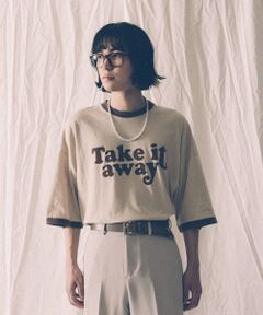 """東京ストリート""""をアーバンリサーチ独自の視点で表現するブランド「URBAN RESEARCH iD」とニューヨークのストリートカルチャーとカリフォルニアのスケーターカルチャーをベースに、古着の持つこなれ感を加えたストリートクロージングを提案する新進気鋭ブランドVOTE MAKE NEW CLOTHES のコラボレーションプロダクト。<br>""""BACK TO 70'S MOOD"""" というコンセプトを掲げ、VOTE MAKE NEW CLOTHESが得意とするNYのカルチャーの中で70'SのNYで使われたフォントを用いてカレッジやフットボールやミュージシャンなど70'Sを代表するカルチャーからインスピレーションを受けたアイテムを現代的なシルエット、カラーリング、素材に落とし込んだカプセルコレクション。<br><br>【VOTE MAKE NEW CLOTHES / ボート・メイク・ニュークローズ】<br><br>かつて1990年代にストリート・シーンを席巻したクリエイター達が集い、ユーモアで斬新なプロダクトを展開。<br><br>※この商品は摩擦及び汗や雨などで濡れた場合、色移りや色落ちします。<br>※ご着用の際に他の物へ色移りする場合がありますので淡色のものとの組み合わせにはご注意ください。<br>※その他お取り扱いに関しましては、商品に付属のアテンションタグをご覧ください。<br><br>※商品画像は、光の当たり具合やパソコンなどの閲覧環境により、実際の色味と異なって見える場合がございます。予めご了承ください。<br>※商品の色味の目安は、商品単体の画像をご参照ください。<br><br>-----------------------------<br>透け感 : ややあり(WHITEのみ)<br>伸縮性 : ややあり<br>裏地 : なし<br>光沢 : なし<br>ポケット : なし<br>-----------------------------"""