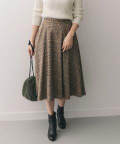 【新着】ベーシックなトップスにプラスするだけで今年らしいクラシックなスタイリングが完成する冬のスカートが登場。
