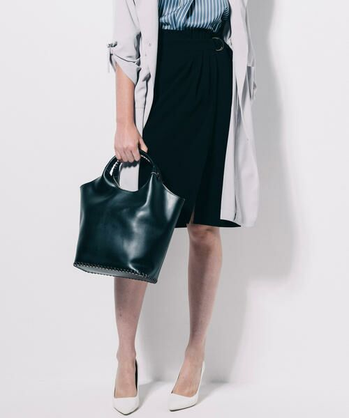 ベルト仕様でよりデザイン性の増したタイトスカートはVICKYでも人気のアイテム♪